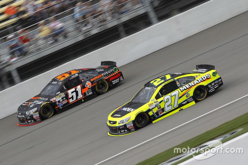 Justin Allgaier, HScott Motorsports, Chevrolet, und Paul Menard, Richard Childress Racing, Chevrolet