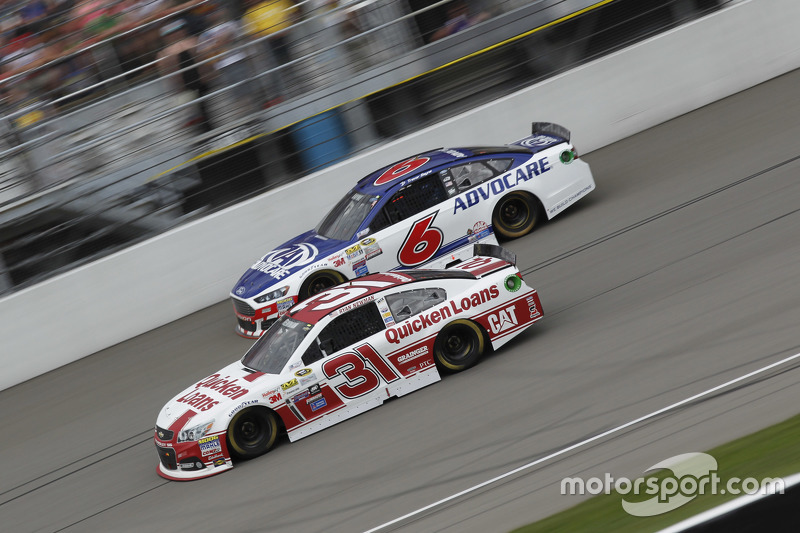 Ryan Newman, Richard Childress Racing, Chevrolet, und Trevor Bayne, Roush Fenway Racing, Ford