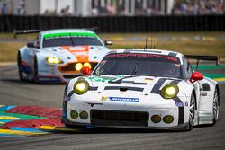 #91 Porsche Team Manthey Porsche 911 RSR : Richard Lietz, Jörg Bergmeister, Michael Christensen