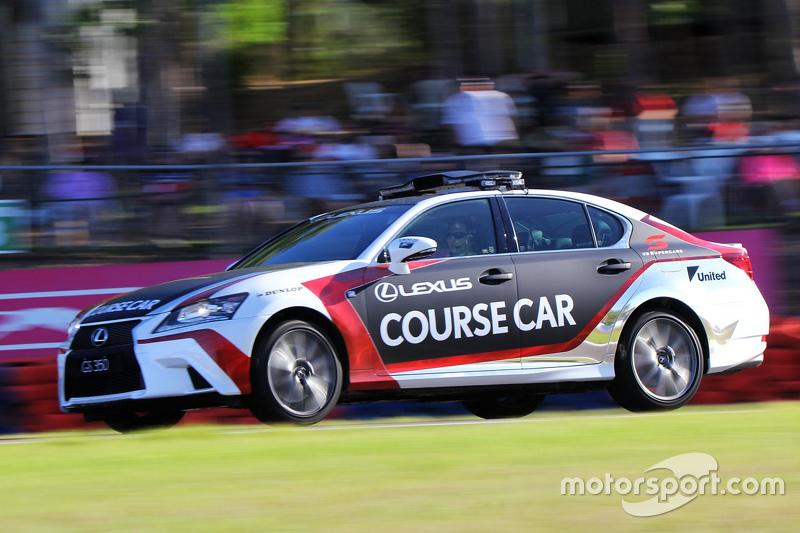 Lexus Course-Car