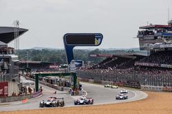 #31 Extreme Speed Motorsports Ligier JS P2: Ed Brown, Jon Fogarty, Johannes van Overbeek, #27 SMP Racing BR01: Maurizio Mediani, David Markosov, Nicolas Minassian