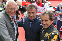 Dietrich Mateschitz, CEO and Founder of Red Bull with Jean Alesi, and Alain Prost, at the Legends Parade