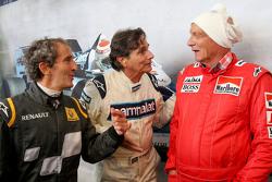 Alain Prost con Nelson Piquet e Niki Lauda, Presidente Non Esecutivo Mercedes alla Parata delle Legg
