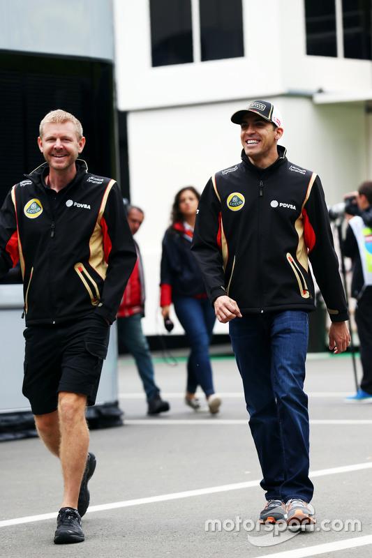 Пастор Мальдонадо, Lotus F1 Team з Andy Stobart, Lotus F1 Team прес-аташе
