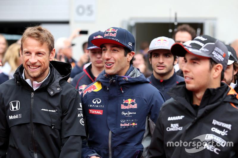Jenson Button, McLaren Honda e Daniel Ricciardo, Red Bull Racing