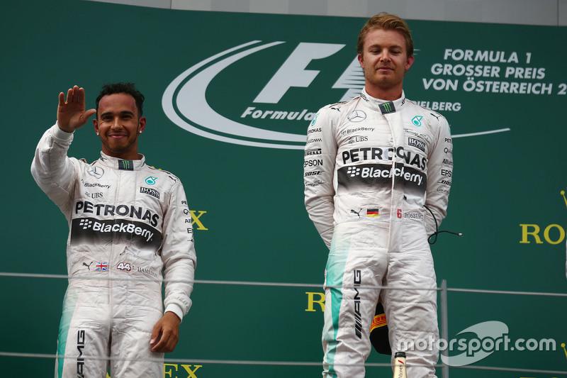 Podium: second place Lewis Hamilton and winner Nico Rosberg, Mercedes AMG F2