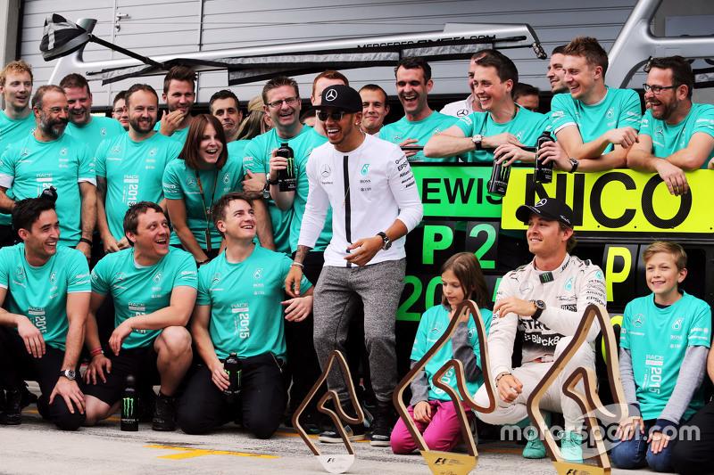 Race winner Nico Rosberg, Mercedes AMG F1 and team mate Lewis Hamilton, Mercedes AMG F1 celebrate wi