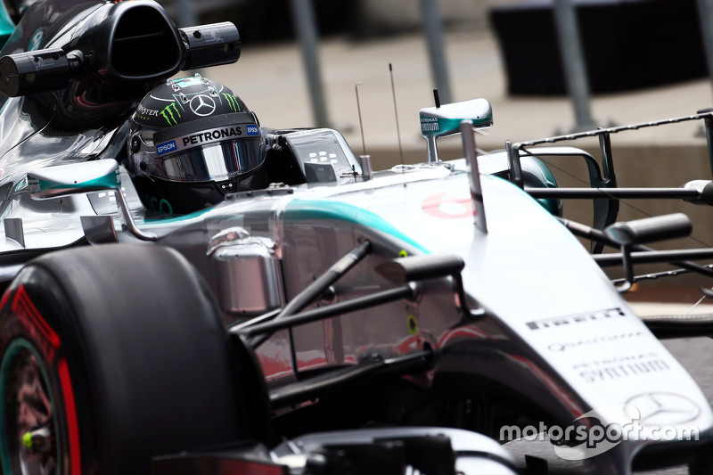 Nico Rosberg, Mercedes AMG F1 W06 running sensor equipment