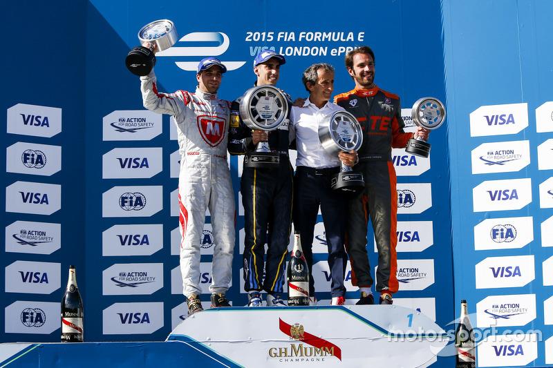Podium 1. Rennen: 2. Jérôme d'Ambrosio, Dragon Racing; 1. Sébastien Buemi, e.dams-Renault; Alain Pro