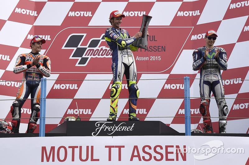 2015, Rossi gana por delante de Márquez y Lorenzo