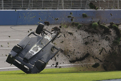Ryan Briscoe, Schmidt Peterson Motorsports Honda in huge crash