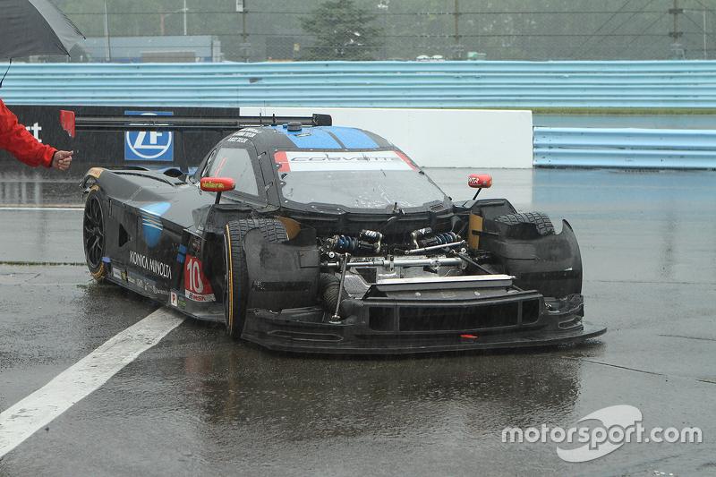 #10 Wayne Taylor Racing, Corvette DP: Ricky Taylor, Jordan Taylor mit Crash