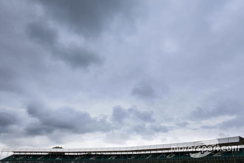 Pemandangan dari grandstand