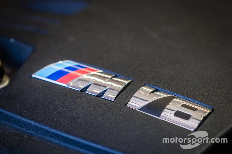 Marc VDS Racing BMW Z4 GT3 engine detail