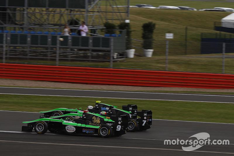 Sandy Stuvik, Status Grand Prix leads Seb Morris, Status Grand Prix and Alex Fontana, Status Grand Prix