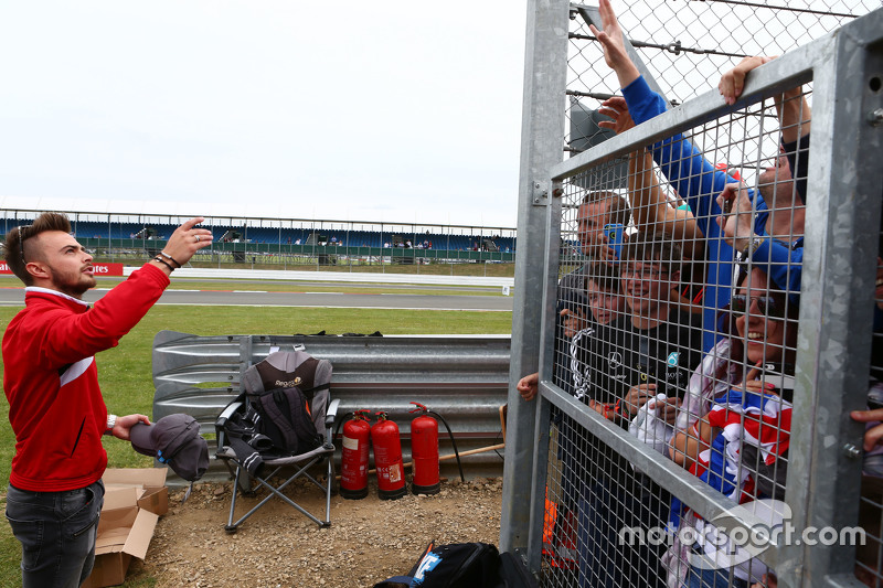 Will Stevens, Manor F1 Team, mit Fans