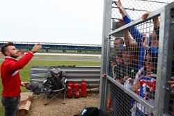 Will Stevens, Manor F1 Team com os fãs
