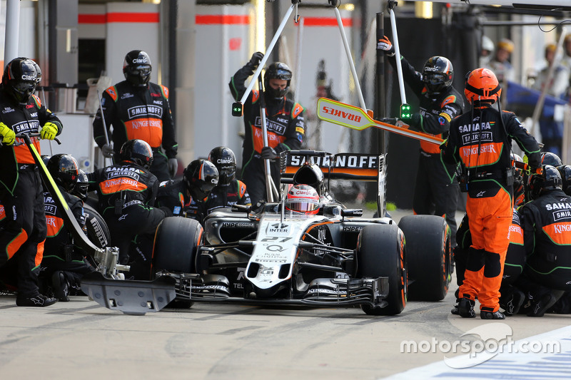 Nico Hulkenberg, Sahara Force India during pitstop