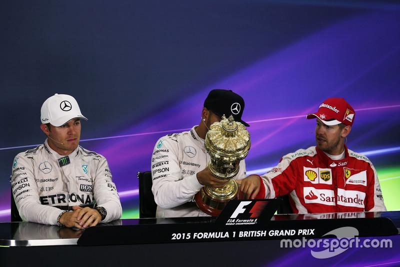 Konferensi Pers FIA pasca-balapan,: Nico Rosberg, Mercedes AMG F1, second; Lewis Hamilton, Mercedes AMG F1, race winner; Sebastian Vettel, Ferrari, third.