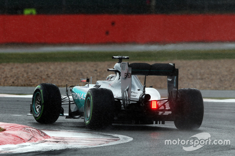 Lewis Hamilton, Mercedes AMG F1 W06 in the rain