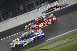 Casey Mears, Germain Racing Chevrolet and Kyle Larson, Ganassi Racing Chevrolet
