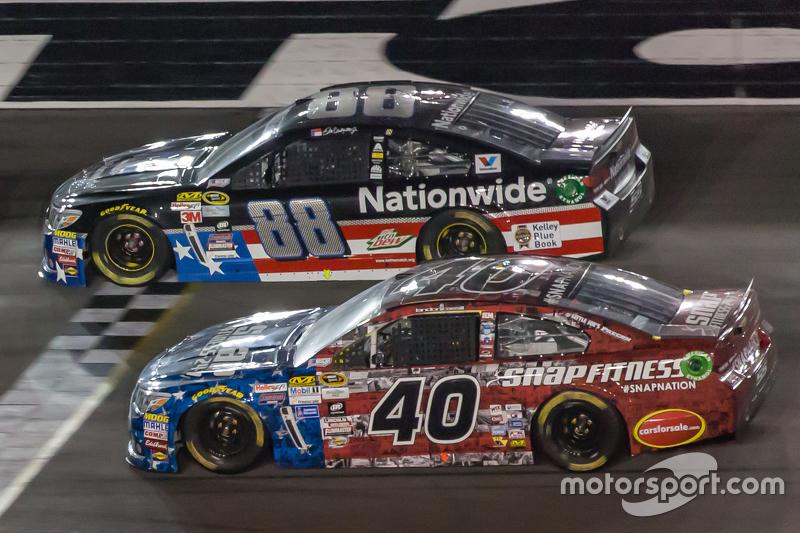 Dale Earnhardt Jr., Hendrick Motorsports Chevrolet dan Ldanon Cassill, Hillman Circle Sport LLC Chevrolet