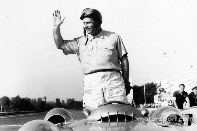 7º Juan Manuel Fangio (15 victorias desde la pole) (el 51'72 % de sus victorias)