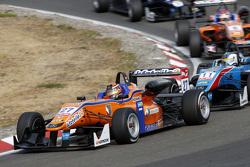 Mikkel Jensen, Mücke Motorsport Dallara Mercedes-Benz y Fabian Schiller, Team West-Tec F3 Dallara Me