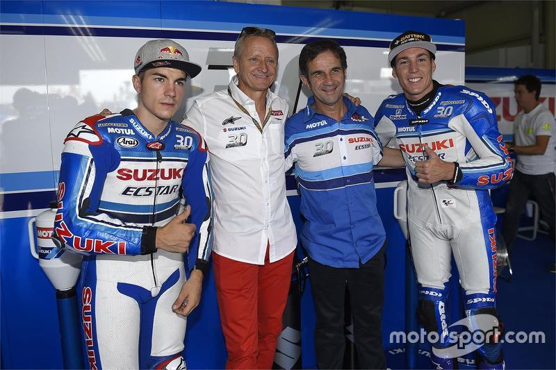 Maverick Viñales ve Kevin Schwantz ve Davide Brivio ve Aleix Espargaro, Suzuki MotoGP Takımı