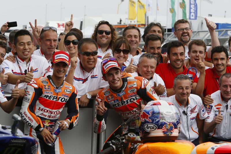 Peringkat kedua Dani Pedrosa, dan pemenang balapan, Marc Marquez, Repsol Honda Team