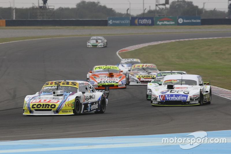 Маурісіо Ламбіріс, Coiro Dole Racing Torino та Леонел Сотро, Alifraco Sport Ford та Еміліано Спатару