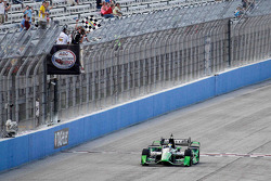 Sébastien Bourdais, KV Racing Technology Chevrolet takes the win