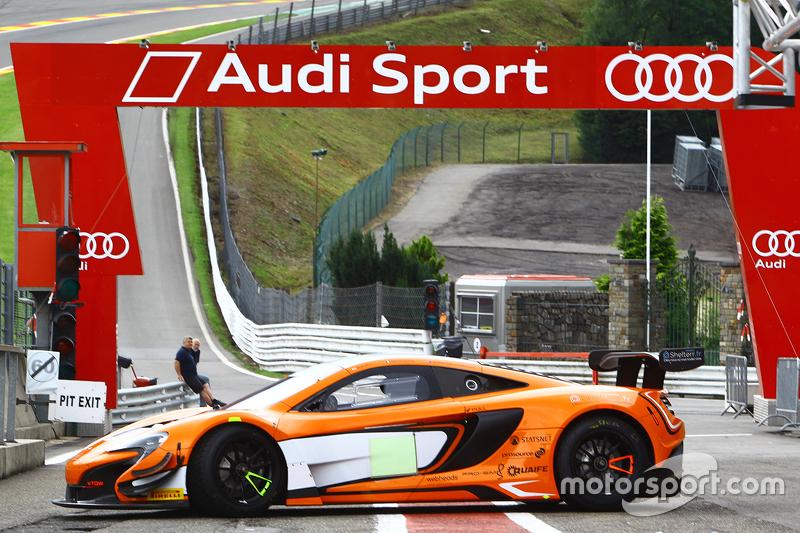 McLaren на піт-лейн