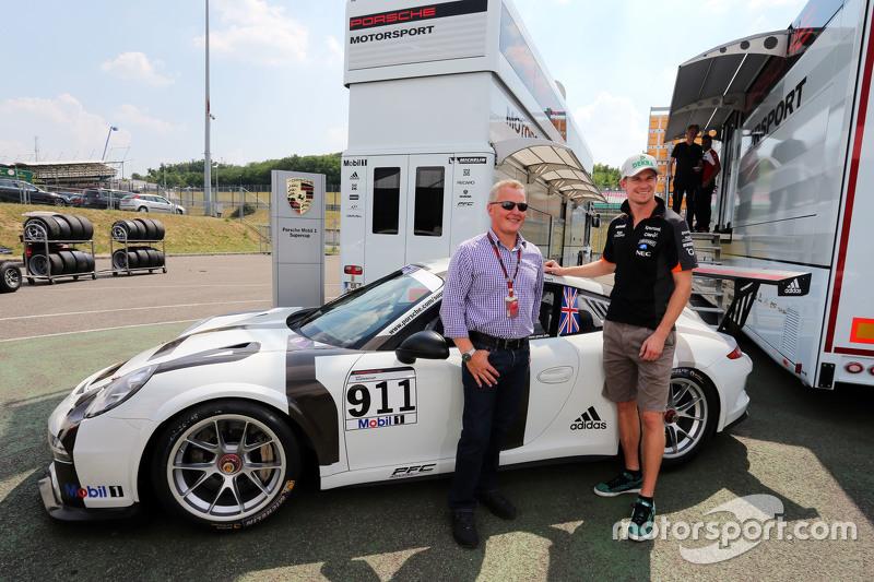 Johnny Herbert, Sky Sports F1 Presenter and his Porsche Supercup car, with Nico Hulkenberg, Sahara F
