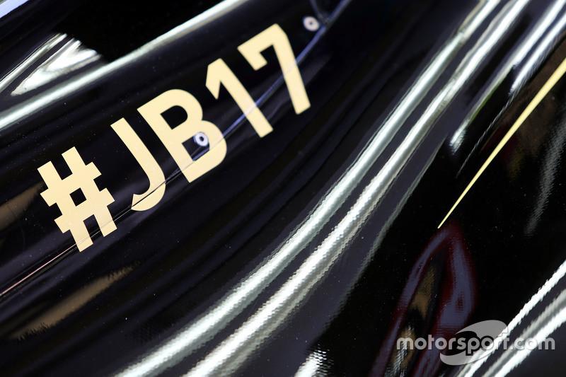 Lotus F1 E23 розмістив надпис на пам'ять Жюля Б'янкі