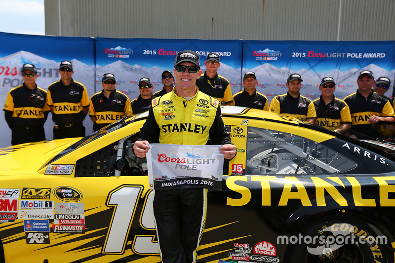 Polesitter Carl Edwards, Joe Gibbs Racing