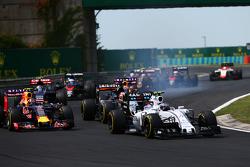 Valtteri Bottas, Williams FW37, al inicio de la carrera