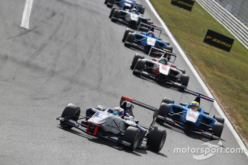 Matthew Parry, Koiranen GP memimpin Pal Varhaug, Jenzer Motorsport