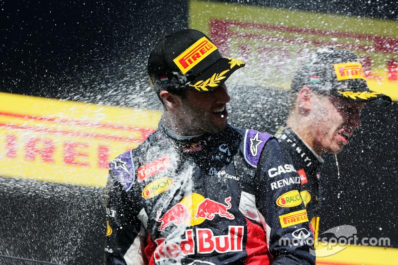 Даніель Ріккіардо, Red Bull Racing святкує третє місце на подіумі