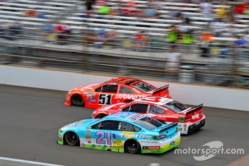 Justin Allgaier, HScott Motorsports Chevrolet, Austin Dillon, Richard Childress Racing Chevrolet and Ryan Blaney, Woods Brothers Racing Ford