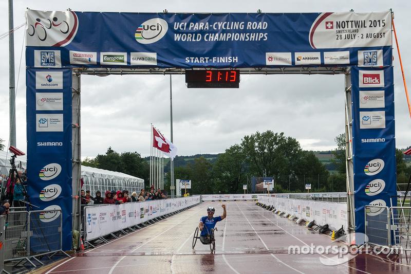 Alex Zanardi berkompetisi di UCI Para-cycling World Championship