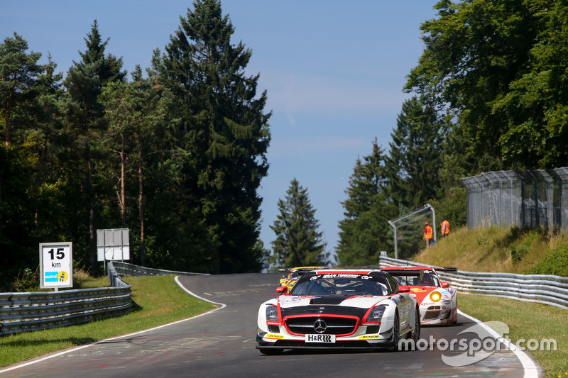 #33 CarCollection Motorsport, Mercedes Benz SLS AMG GT3: Pierre Ehret, Alexander Mattschull, Renger van der Zande