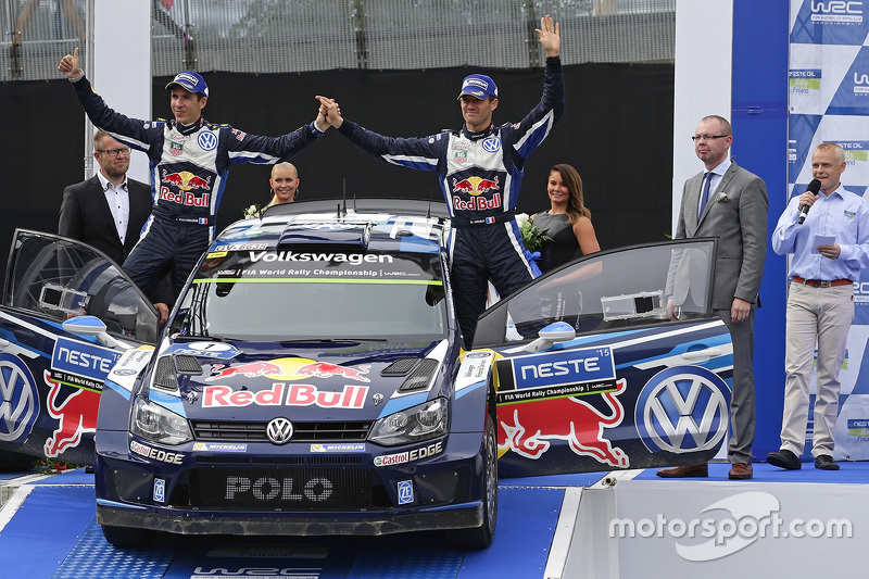 Peringkat kedua Sébastien Ogier, dan Julien Ingrassia, Volkswagen Polo WRC, Volkswagen Motorsport