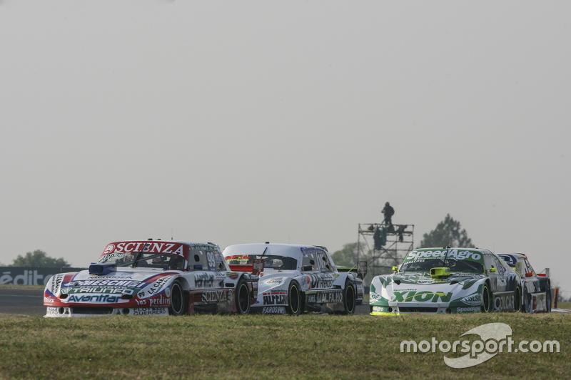 Матіас Халаф, Catalan Magni Motorsport Ford та Леонел Сотро, Alifraco Sport Ford та Агустін Канапіно