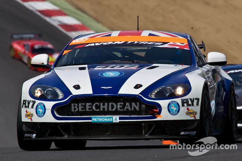 #407 Beechdean AMR Aston Martin GT4: Challenge: Jamie Chadwick, Ross Gunn