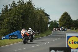 Acción de carrera en el Hundred Circuit