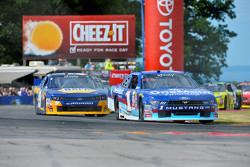 Elliott Sadler, Roush Fenway Racing Ford and Chase Elliott, JR Motorsports Chevrolet