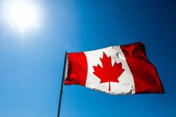 Canadian прапор
