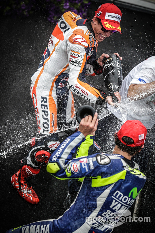 Podium: race winner Marc Marquez, Repsol Honda Team, third place Valentino Rossi, Yamaha Factory Rac