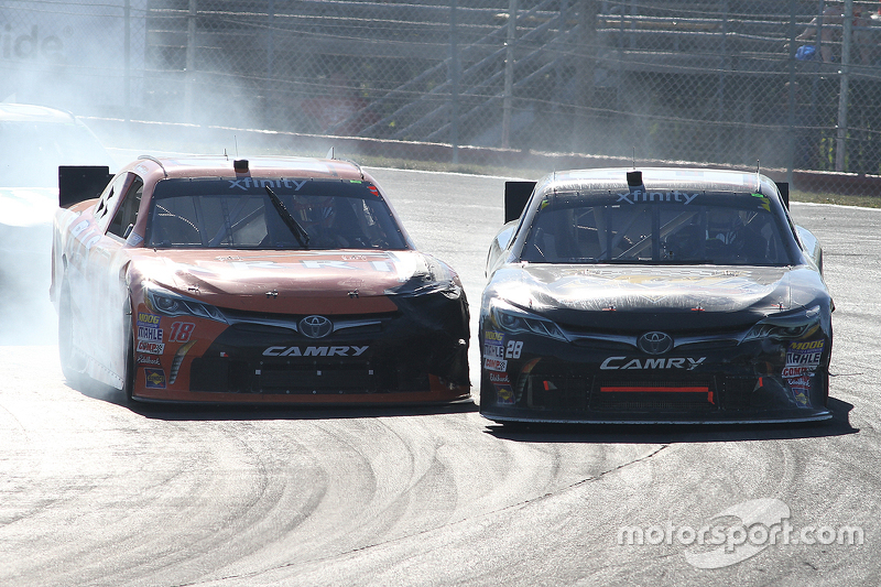 Daniel Suarez, Joe Gibbs Racing Toyota dan J.J. Yeley, JGL Racing Toyota